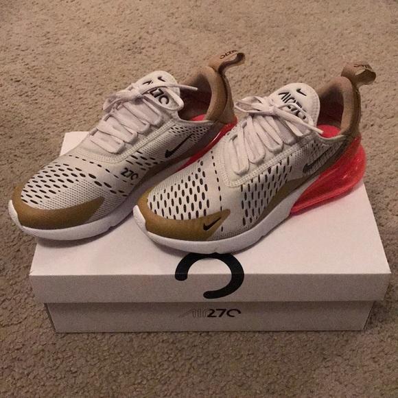 official photos d8dc6 d32ce Nike Air Max 270 Size 6. M 5b9f389bbaebf61aa131cb1a